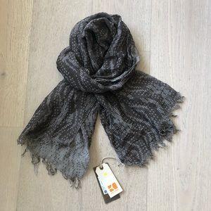 Hugo Boss Cotton / Linen light weight scarf